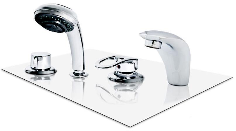 Четырехпозиционный смеситель в ванной
