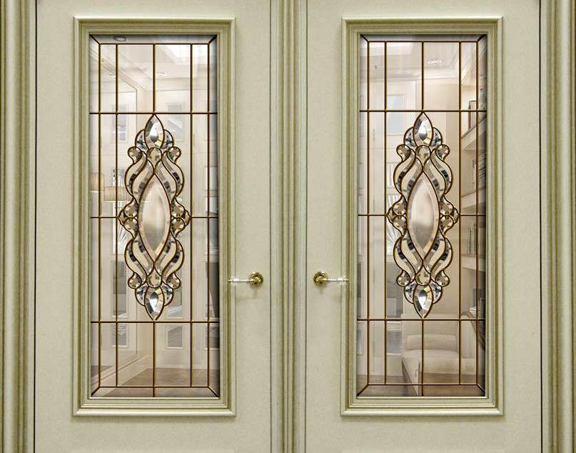 Обычное стекло в двери