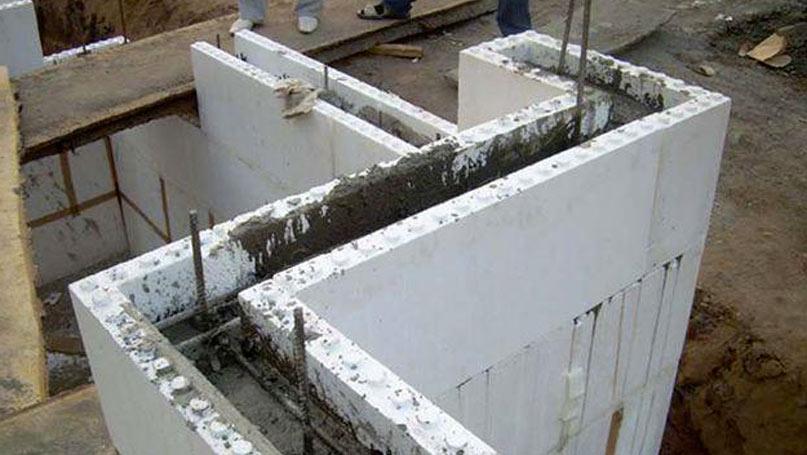 Стена в разрезе дома термоса