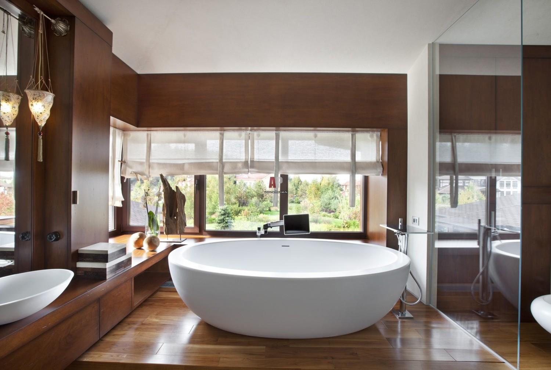 Уход за деревянным полом в ванной