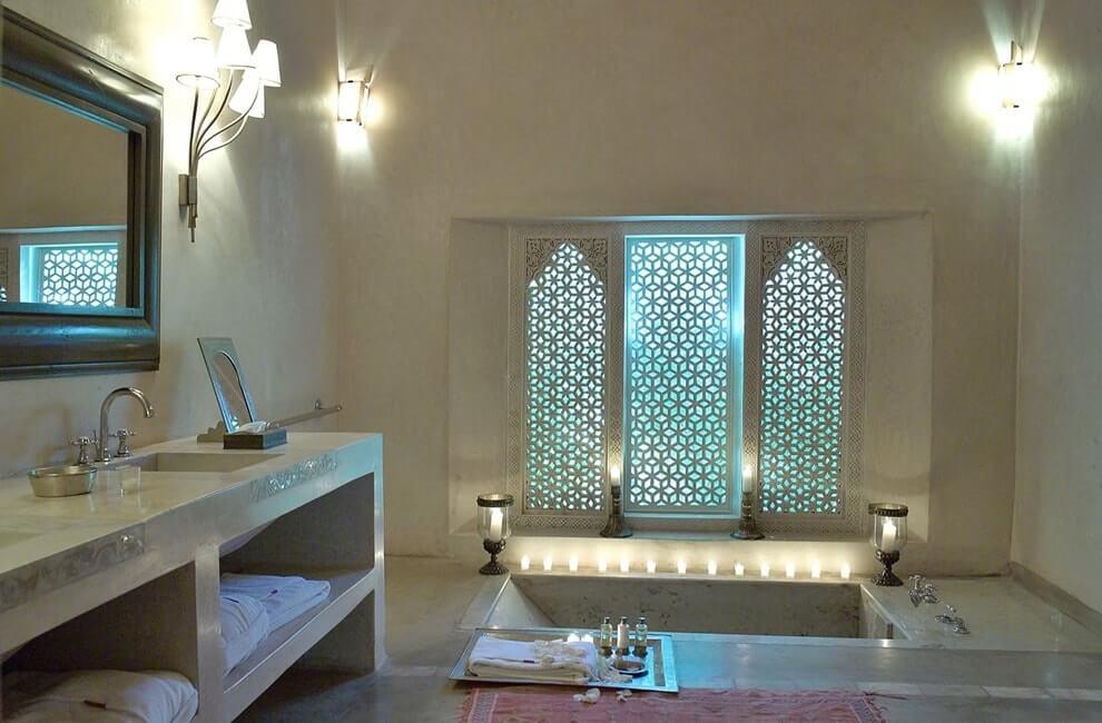 Окна в ванной в стиле марокко